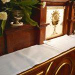 Ostateczny wygląd tabernakulm ipierwszej części Ołtarza głównego.